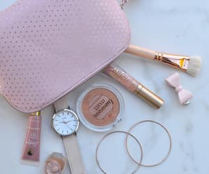 flatlay make up image