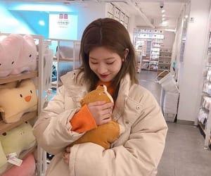 loona, kim lip, and kpop image