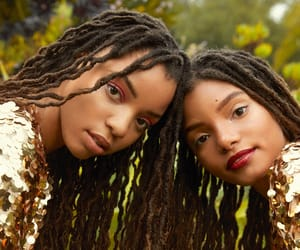 article, chloexhalle, and amber mark image