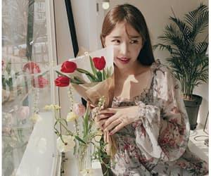 aesthetic, bouquet, and kfashion image