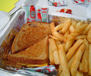 food, fries, and grilled cheese image