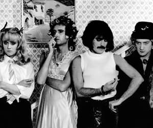 Queen, band, and Freddie Mercury image
