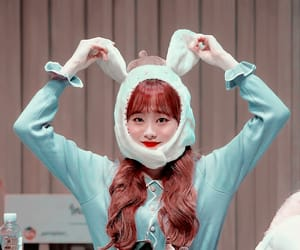 chuu, kim jiwoo, and kpop icon image