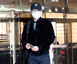 airport, outfit, and korean boy image
