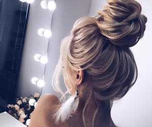 blond, cheveux, and coiffe image