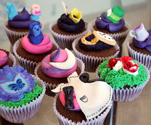 alice in wonderland, colors, and cupcakes image