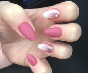 colour, gelnails, and glitter image
