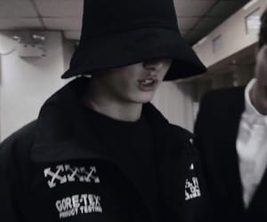 aesthetic, dark, and jeon jungkook image