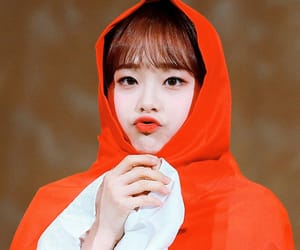 kpop, chuu, and kim jiwoo image