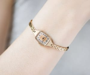 etsy, montre femme, and rectangular watch image