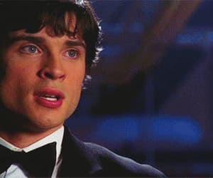 gif, smallville, and reaction meme image