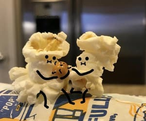 family and popcorn image