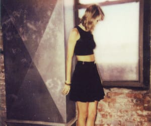 girl, pretty, and Taylor Swift image
