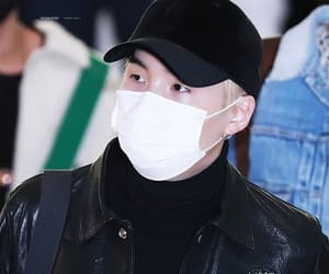 airport, incheon, and min yoongi image