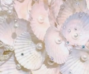 aesthetic, pastel, and pearls image