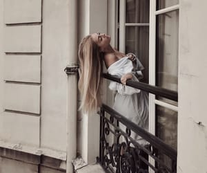 blonde and vogue image