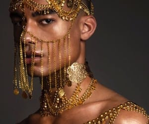 model and reece king image