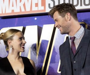 Scarlett Johansson and chris hemsworth image