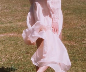 dreamy, dress, and ethereal image