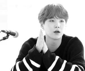 aesthetic, black and white, and jin image