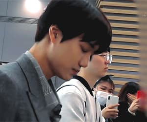 gif, kai, and kim jongin image