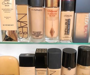 beauty, chanel, and Foundation image