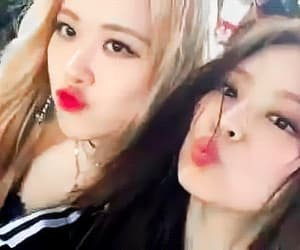 gif, jennie, and rose image