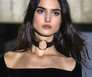 black, celebrities, and chokers image
