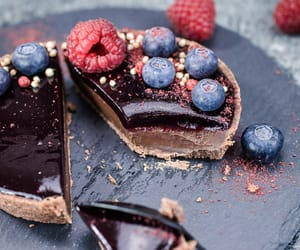 berries, food porn, and chocolate image