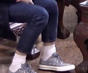 details, feet, and winwin image
