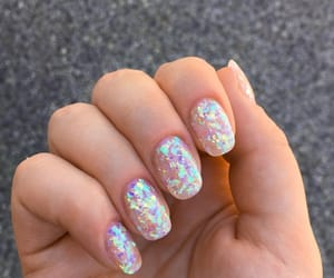 holographic and nails image