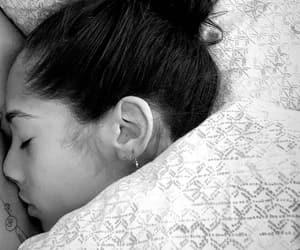 bed, yasmin wijnaldum, and boy girl image