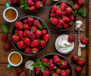 fruit and strawberry image