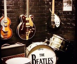 band, decoracion, and Liverpool image