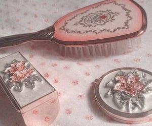 brush and princess image