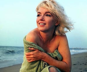 Marilyn Monroe, beach, and vintage image