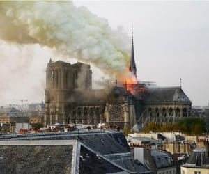 fire, notre dame, and parís image