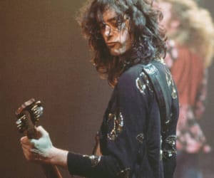 led zeppelin and music image