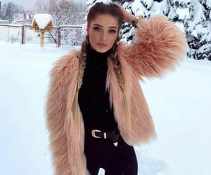 look, outfit, and winter image