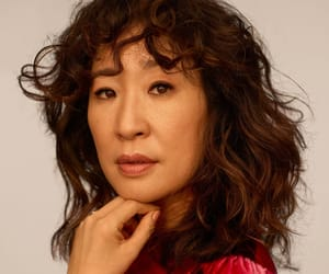 sandra oh and killing eve image