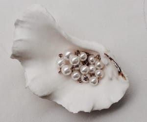pearls, pretty, and white image