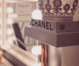 chanel and اكسسورات image
