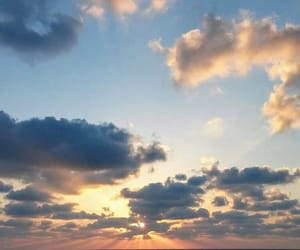 sky and sea image