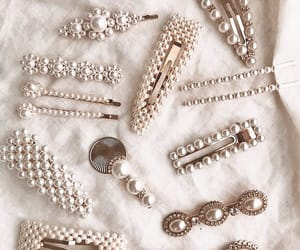 accessories, pearls, and hair image