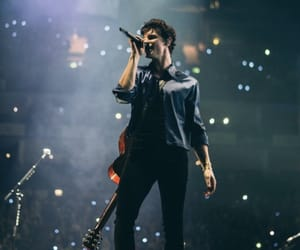 london, shawn, and tour image