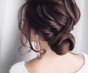 style and updo image