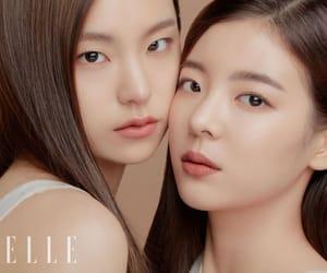 girls, JYP, and chaeryeong image