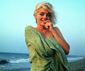 beach, Marilyn Monroe, and monroe image