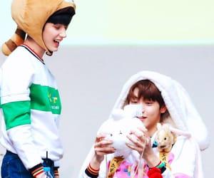 crown, leader, and taehyun image