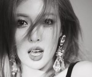 fashion, women, and kim hyuna image